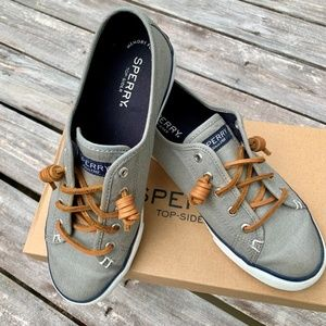 Sperry Top-Sider Woman's Canvas Shoes